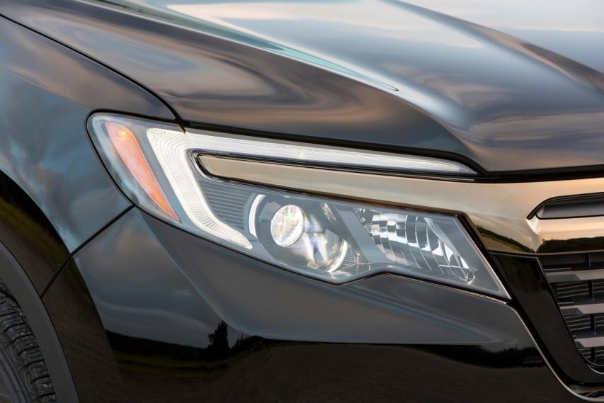 Iihs Headlight Ratings Dim On Pickups Motorweek