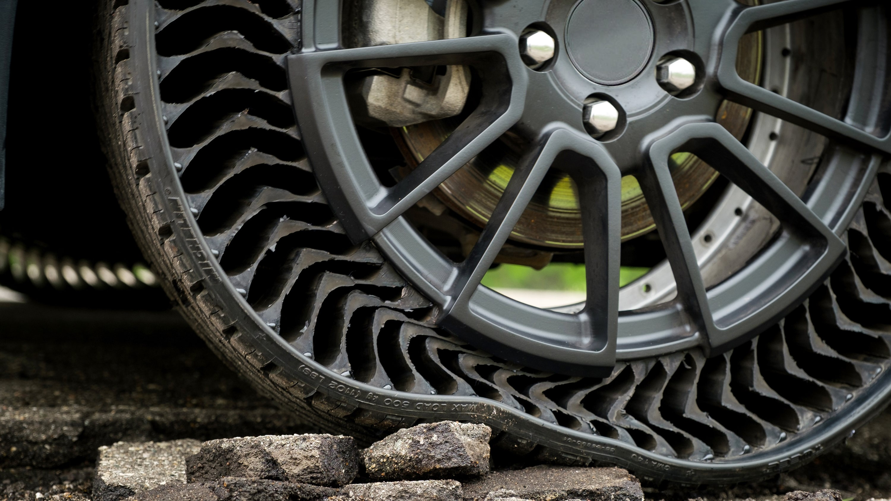Gm And Michelin Join Forces On Airless Tires Motorweek