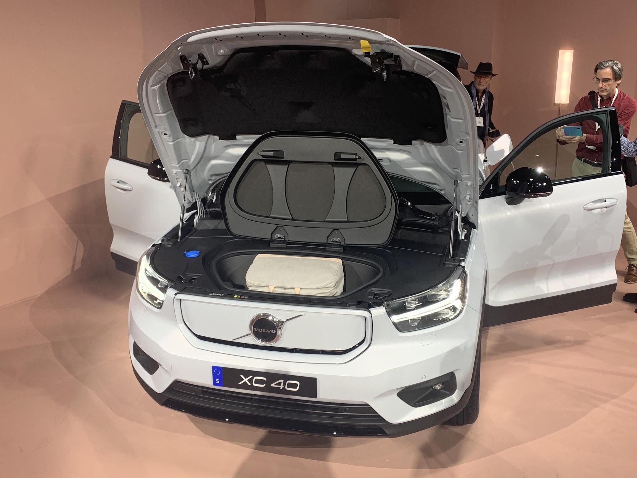 Volvo Cars launches Volvo XC40 Recharge EV   MotorWeek